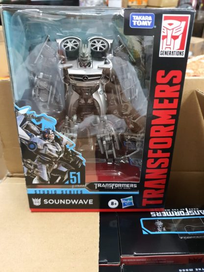 Hasbro Transformers Studio Series Deluxe Soundwave